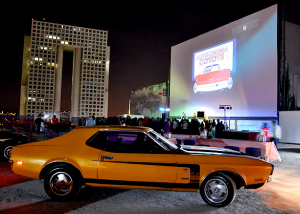 carro coyote autocinema